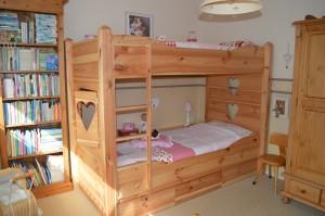 bed 9.jpg